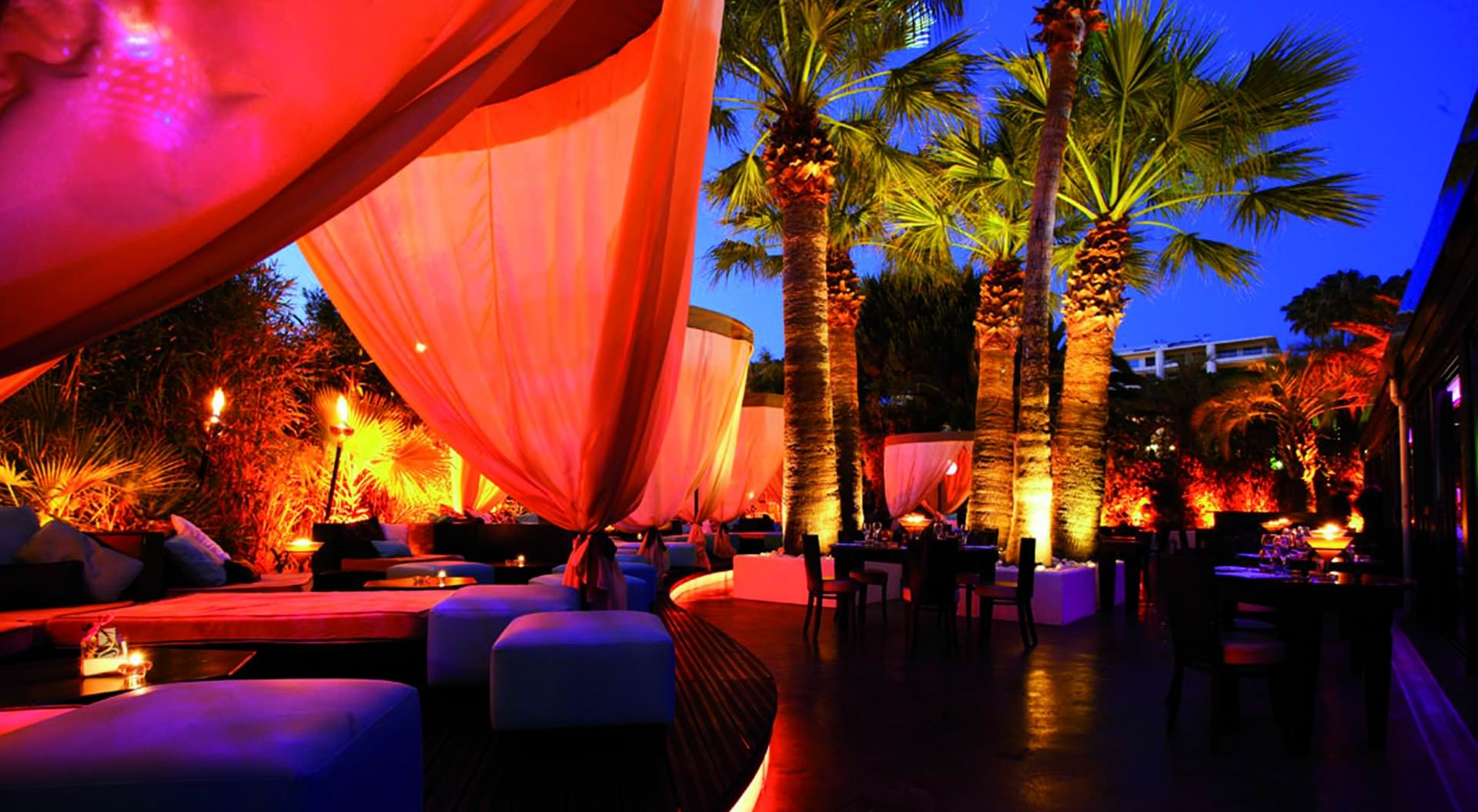 lounges night clubs cannes vacation rental. Black Bedroom Furniture Sets. Home Design Ideas